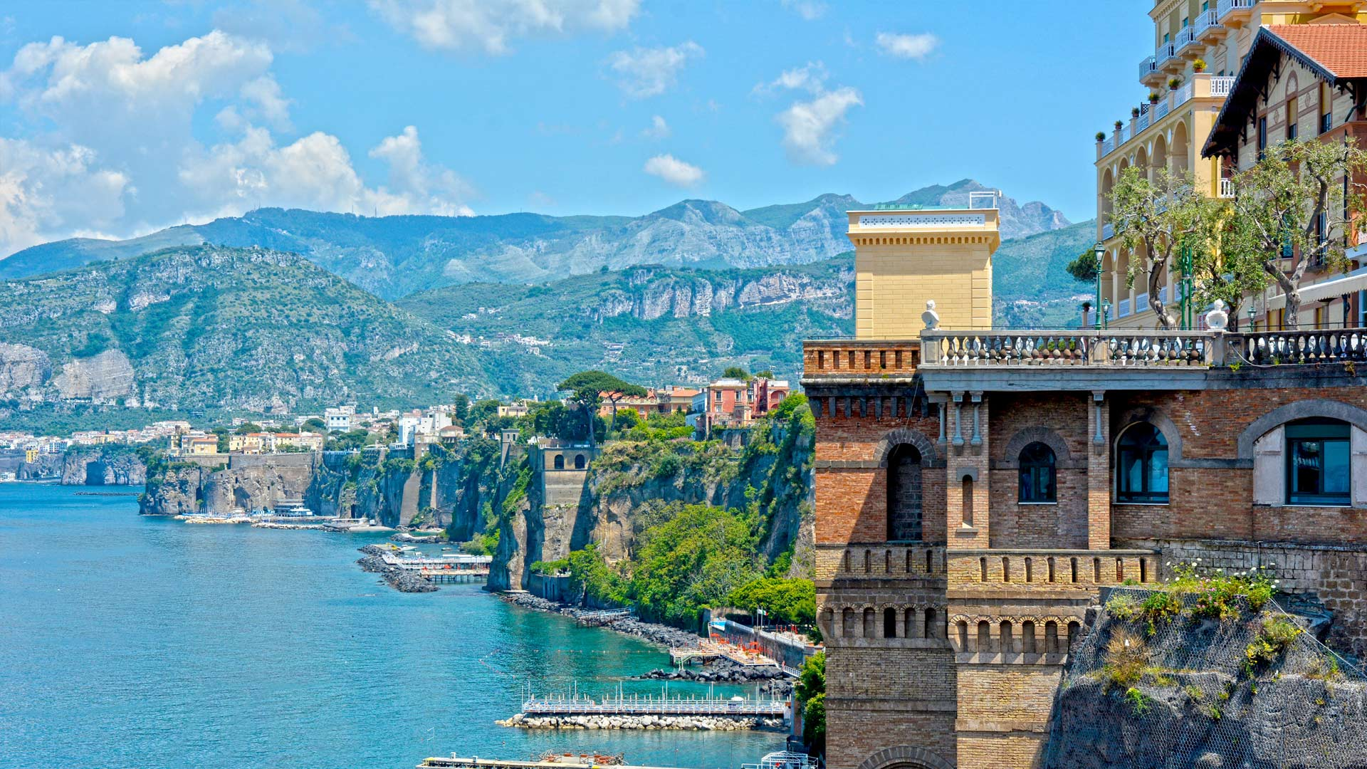 Excursions in Sorrento with Ischia Charter Boat